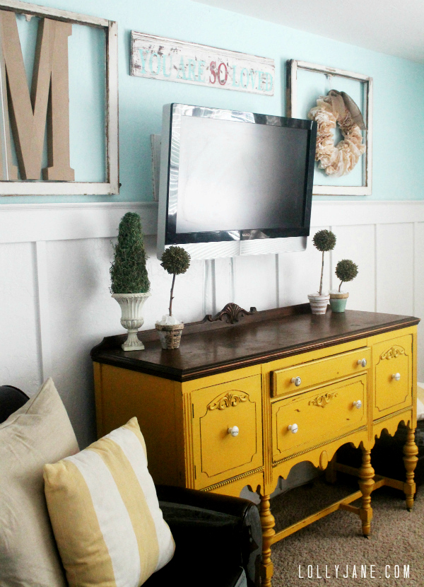 95 ways to hide or decorate around the tv electronics and cords remodelaholic bloglovin. Black Bedroom Furniture Sets. Home Design Ideas