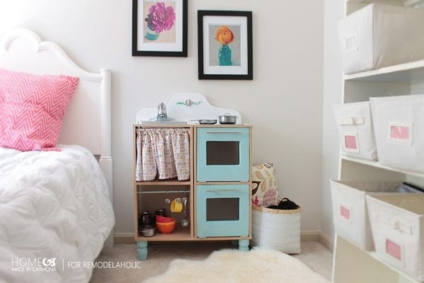 Amazing DIY Play Kitchen Set - HMC for Remodelaholic