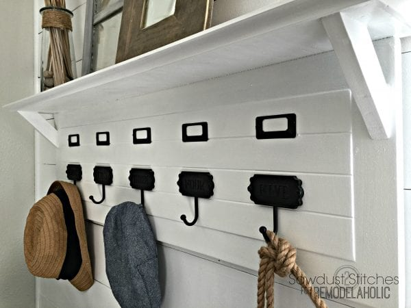 Entry Hat Rack by Sawdust2stitches for Remodelaholic.com