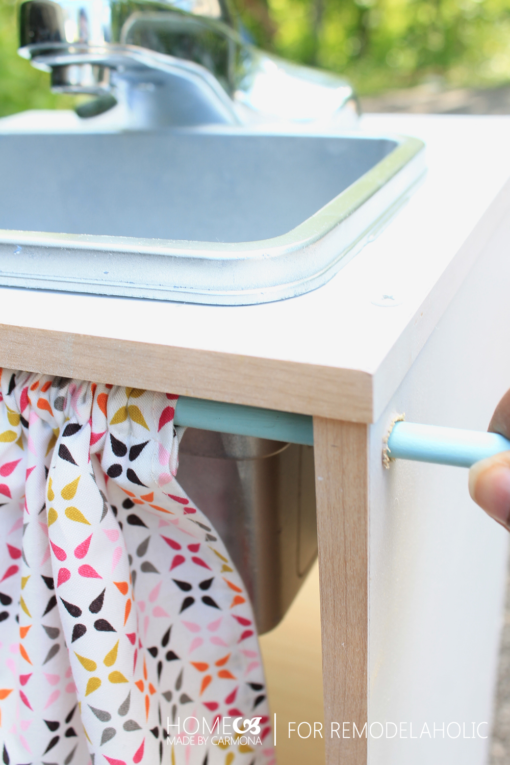 GREAT Tutorial For An Easy Kids Kitchen Playset From Cube Shelves And Using Inexpensive