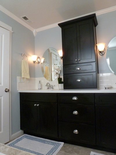 Decorating With Black 13 Ways To Use Dark Colors In Your Home Page 3 Remodelaholic