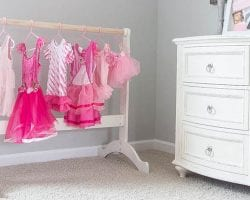 blesser house dress up rack feature