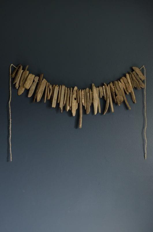 Easy Art Ideas for Kids Room Decor: diy driftwood garland (Lemon Thistle)