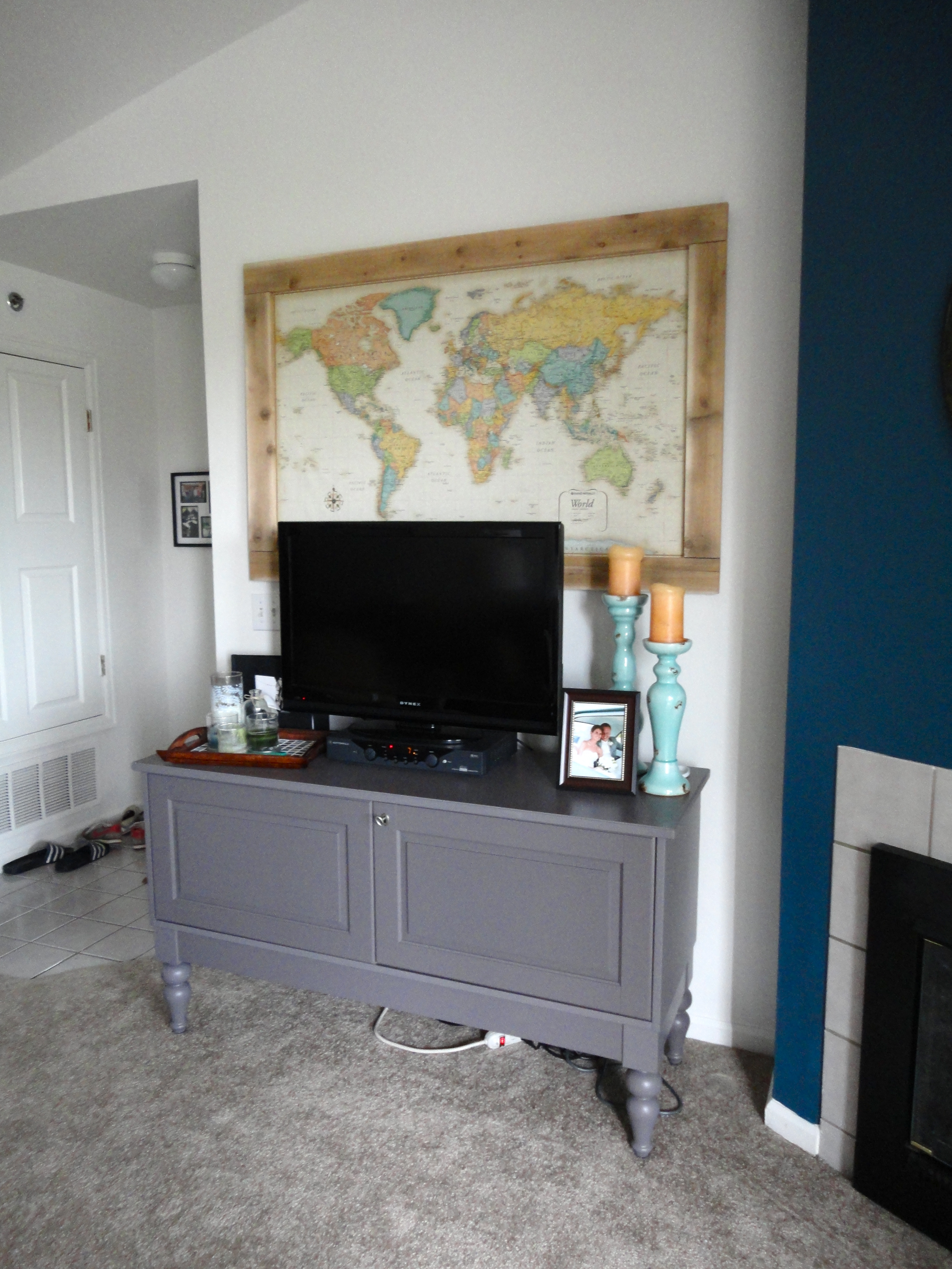 diy large map art above the tv (jennaandcalder)