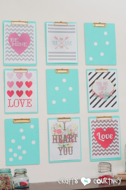 dollar store clipboard photo and art printable display (Crafts By Courtney)