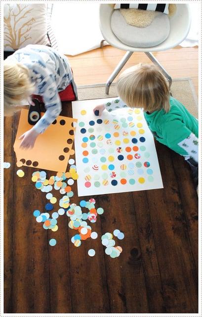 Easy Art Ideas for Kids Room Decor: easy kids diy circle punch art (mermag)