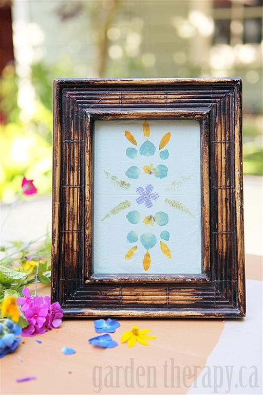 Easy Art Ideas for Kids Room Decor: hammered flower and leaf art (gardentherapy)
