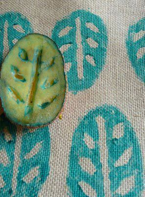 Easy Art Ideas for Kids Room Decor: potato stamp on fabric