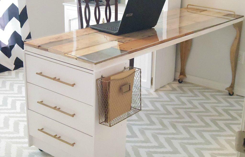 Craft Room Desk: 8 Creative Furniture Makeovers (Friday