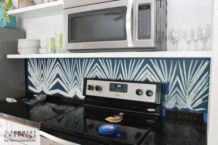 diy-kitchen-backsplash-stencil-11