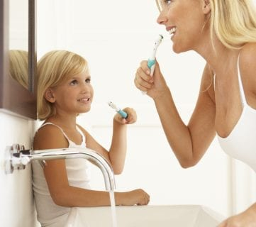 16 Useful Tips on Teaching Kids to Brush and Floss