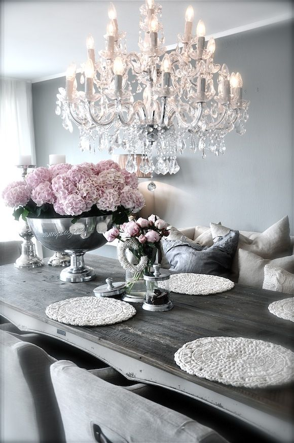 Decorating with style rustic glam remodelaholic for Table salle a manger shabby chic