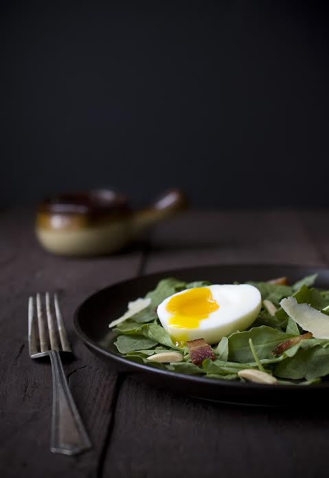 foodieaholic-summer-arugula-salad-with-soft-boiled-egg-davidsons-eggs