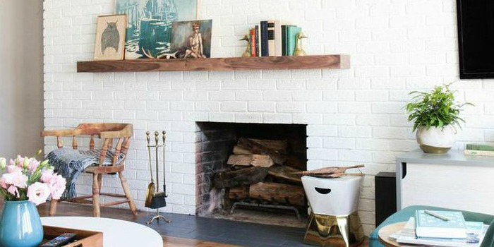 Remodelaholic Decorating Around An Off Center Non Functional Fireplace