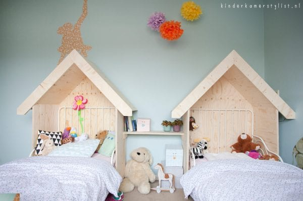 simple wood house headboard and shelf for shared girls room, kinderkamerstylist