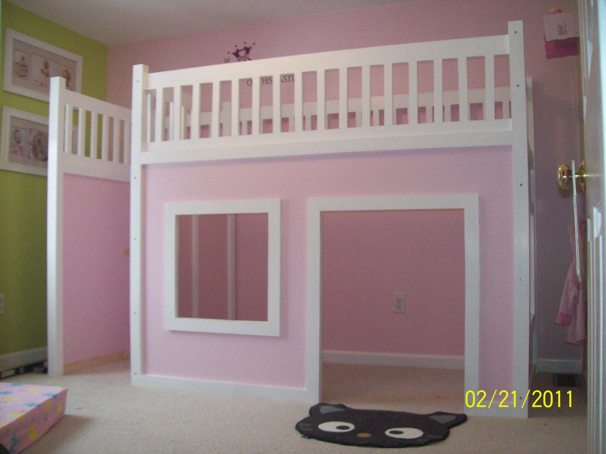 Remodelaholic how to build a princess castle loft bed for How to build a castle bed