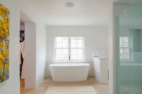 beautiful open and airy bathroom by Violante & Rochford Interiors, photo credit © Wendy McEahern
