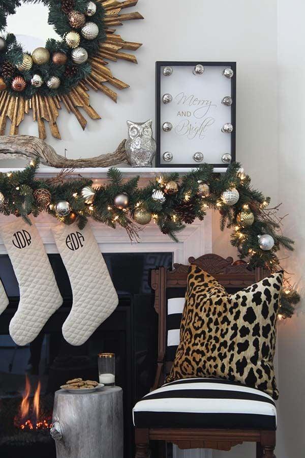 remodelaholic a black white and gold christmas. Black Bedroom Furniture Sets. Home Design Ideas