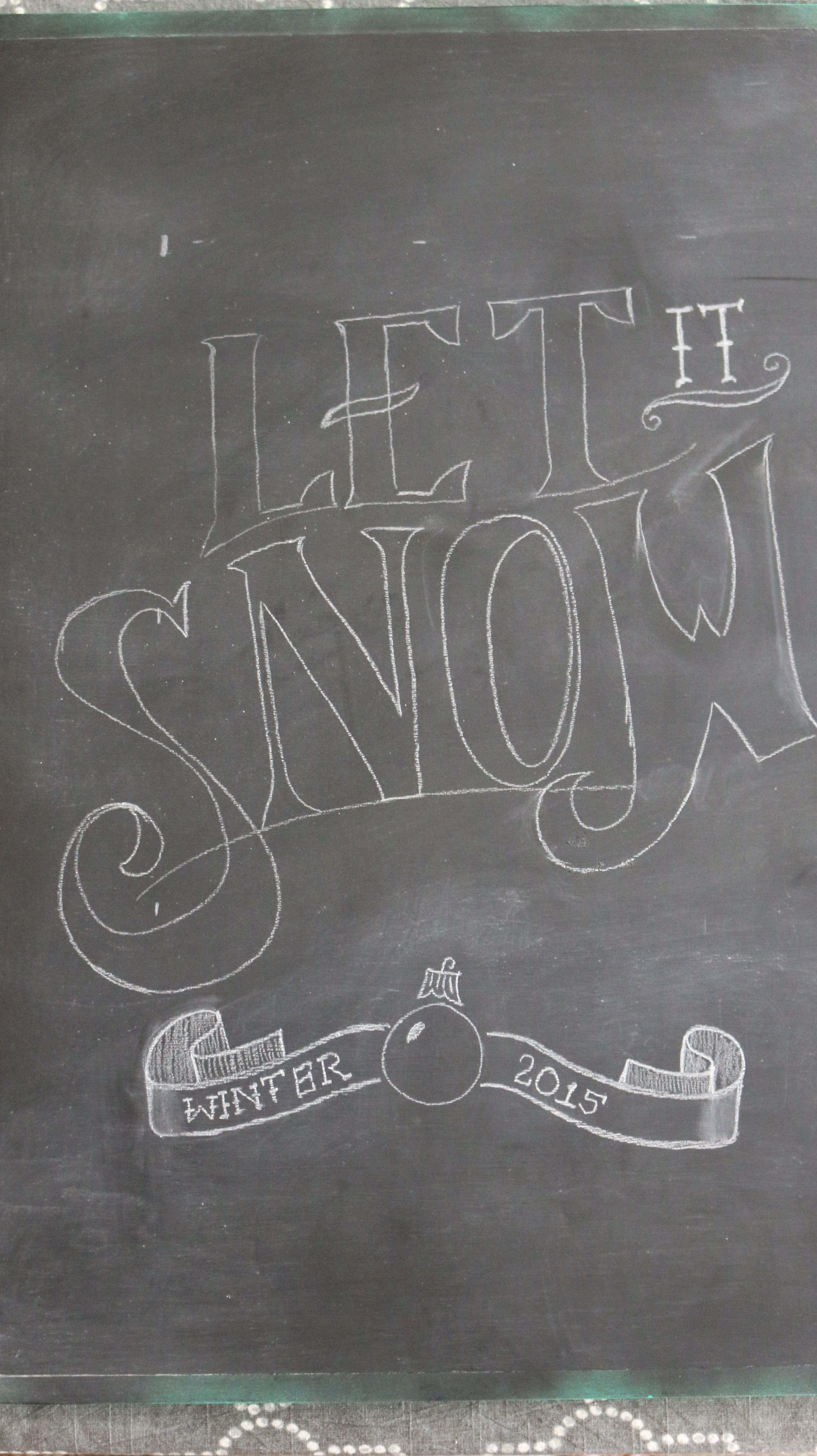How to make a framed Chalkboard - draw the design