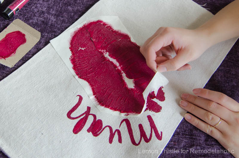 DIY Valentine's Day Banner- it's about time I found some Valentine decor that's not tacky!