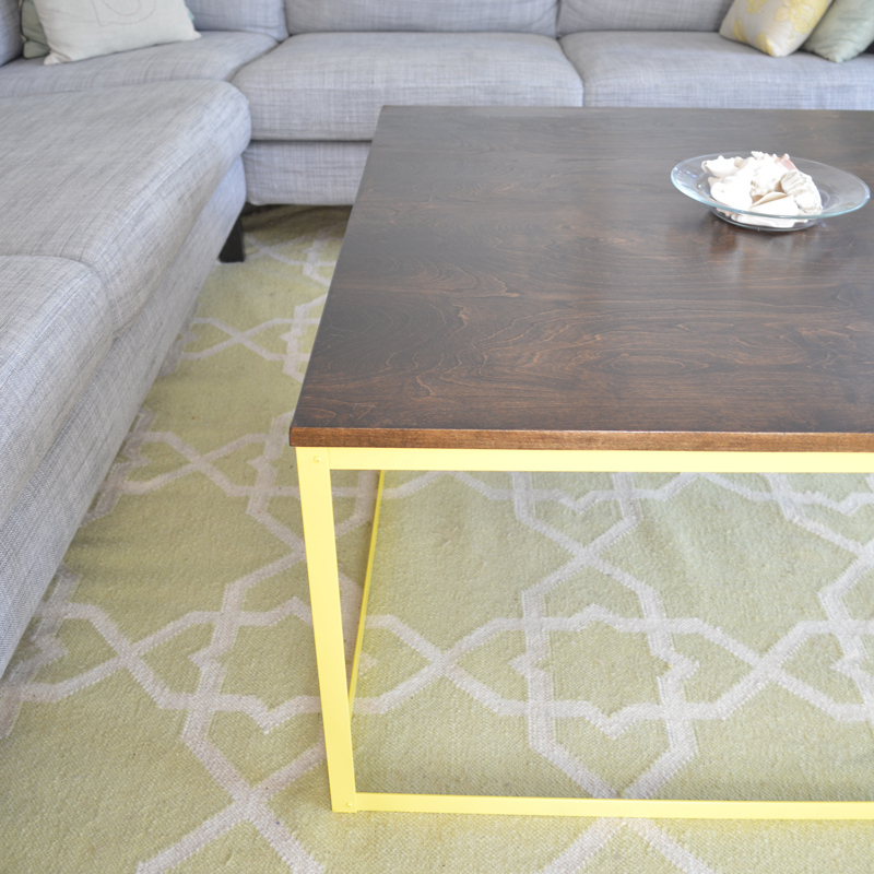 Remodelaholic 9 cool wood projects november link party for Diy metal end table