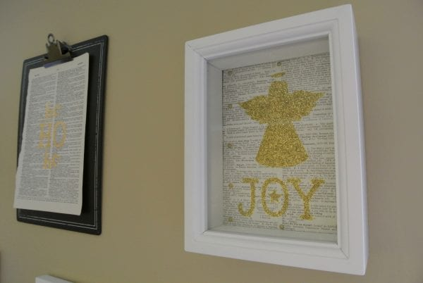 gold print gallery wall for Christmas @ Remodelaholic (6)