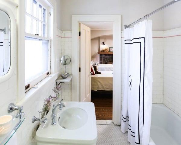 Attirant Rehabaddict 609 Bathroom