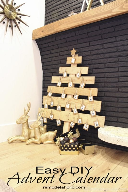 this pallet wood christmas tree makes an easy advent calendar or card display using scraps - Wooden Christmas Advent Calendar