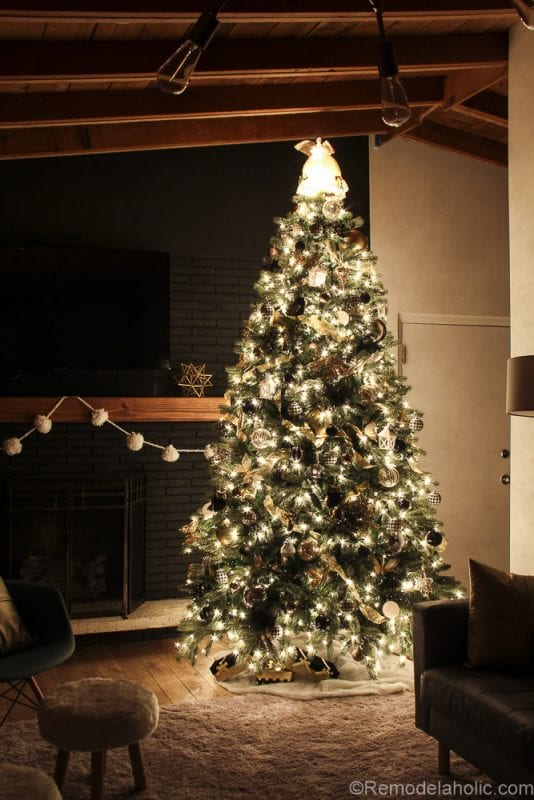 How to decorate an elegant Christmas tree @remodelaholic (9 of 15)