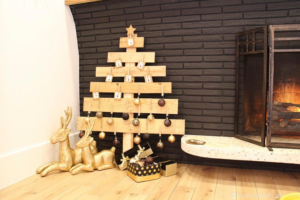 Pallet Wood Advent Calendar-18