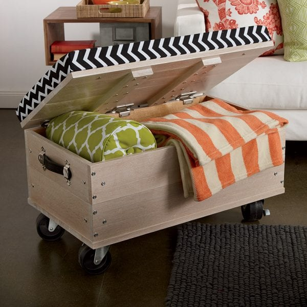 Superbe DIY Ottoman With Blanket Storage