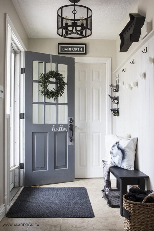 Remodelaholic 100 inspiring mudrooms and entryways for Neutral front room ideas