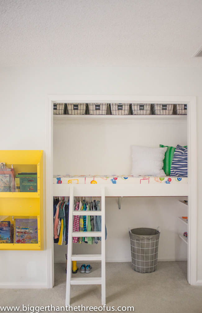 Remodelaholic 15 amazing diy loft beds for kids for Bunk beds in closet space