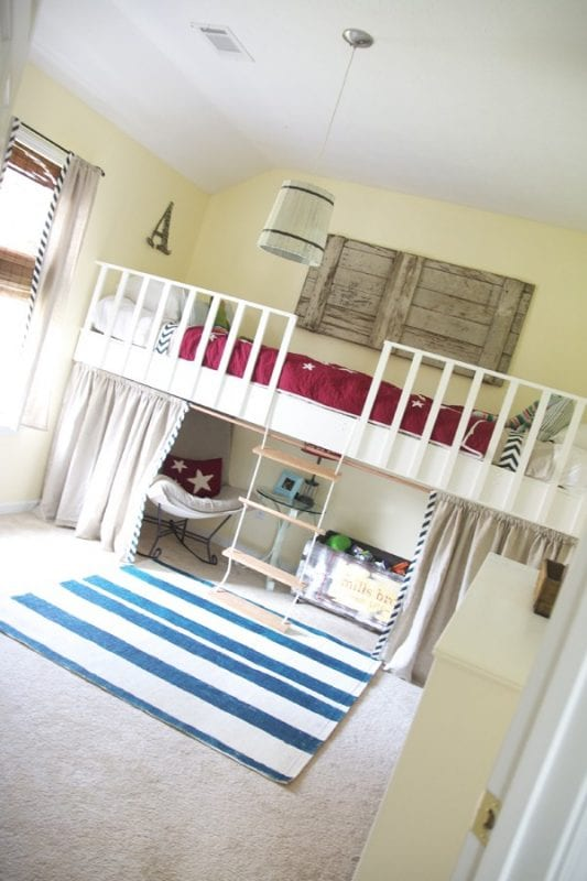 Remodelaholic 15 amazing diy loft beds for kids - Diy bunk beds for small rooms ...