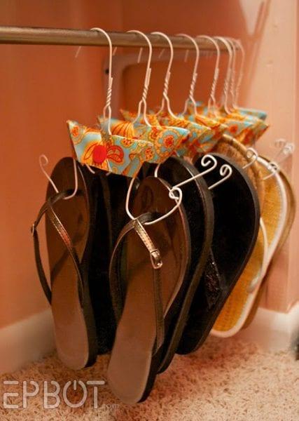 hang flip flops @ remodelaholic