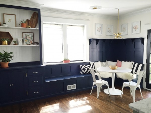 remodelaholic | an ever-changing dining room (with banquette!)