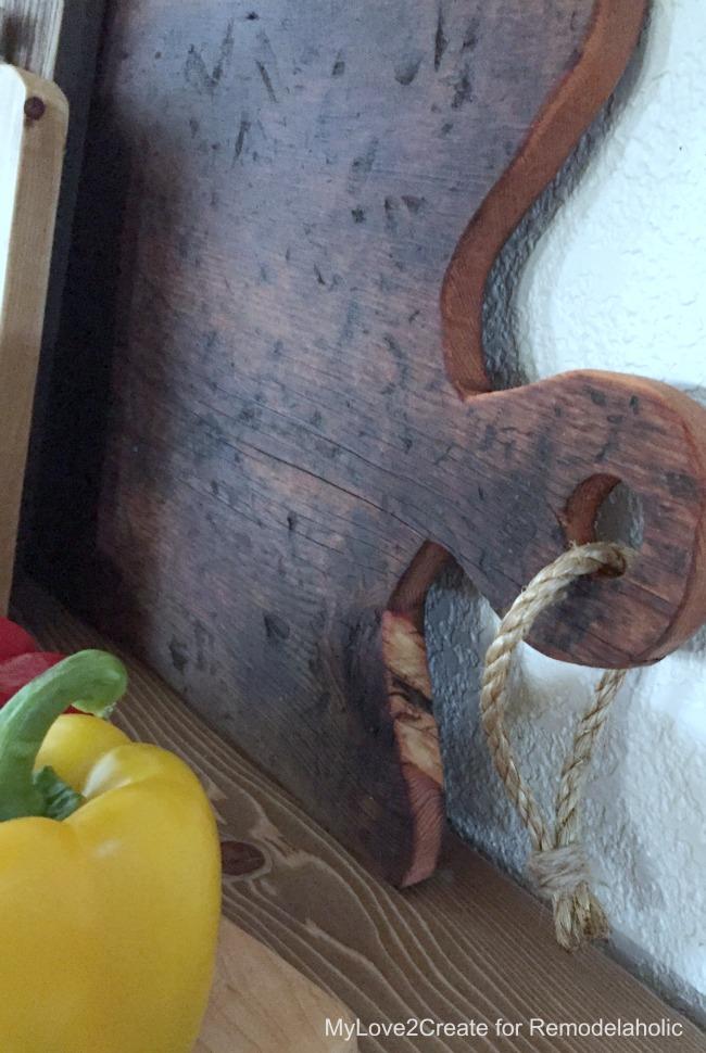 big cutting board handle, MyLove2Create for Remodelaholic