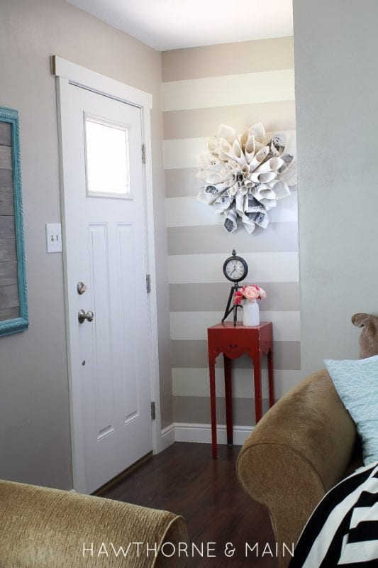 mini entryway | 100+ Beautiful Mudrooms and Entryways at Remodelaholic.com