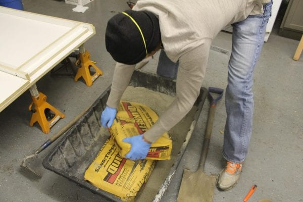 tutorial to make your own DIY concrete countertops Construction2Style on @Remodelaholic (30)