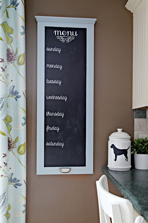 Remodelaholic | 25+ Awesome DIY Menu Boards