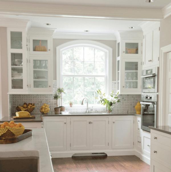 Traditional white kitchen with Basketweave backsplash Kitchens by Eileen Houzz