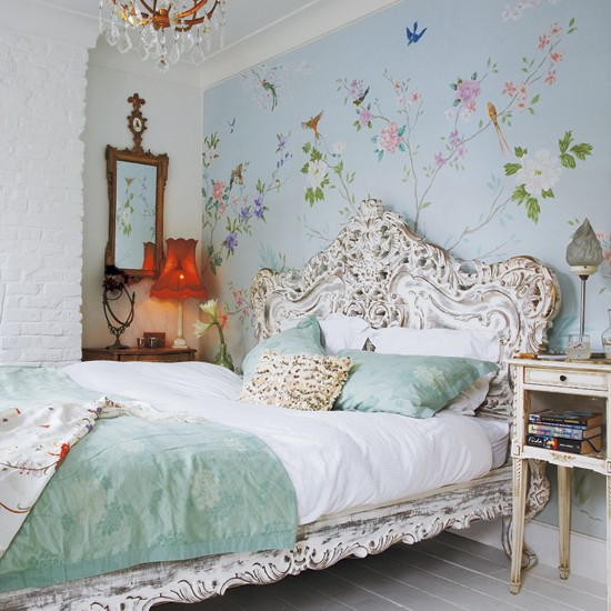 Floral Wall with ornate bed house to home