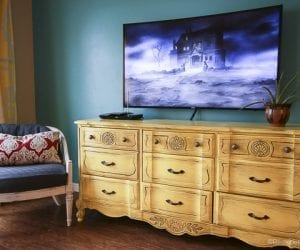 Hanging a Curved Mount TV with Sanus by @remodelaholic-1