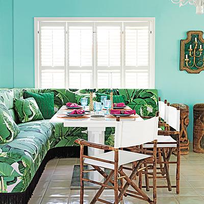 Tropical Dining Nook | Modern Tropical Style on Remodelaholic.com