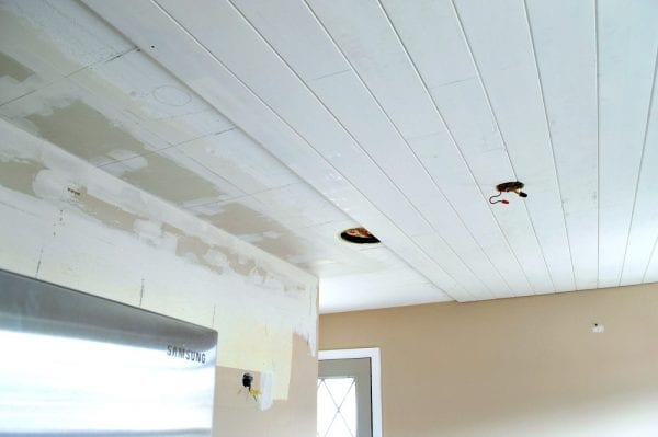 How to install a tongue and groove plank ceiling, by Chatfield Court featured on @Remodelaholic