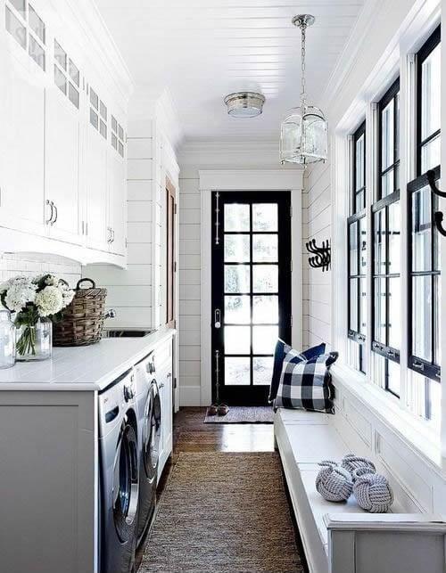Beautiful laundry room inspiration | Found on styleathome.com