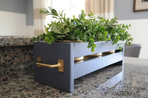 Planter-Sawdust2stitches-for-Remodelaholic--600x399