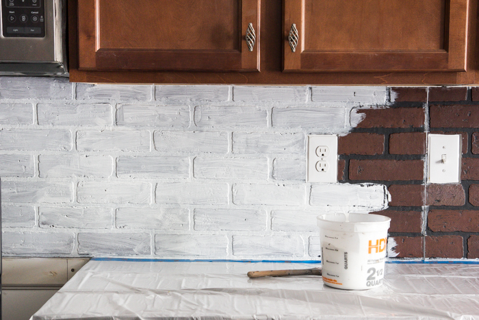 Ordinaire Whitewashed Faux Brick Backsplash (12 Of 18)