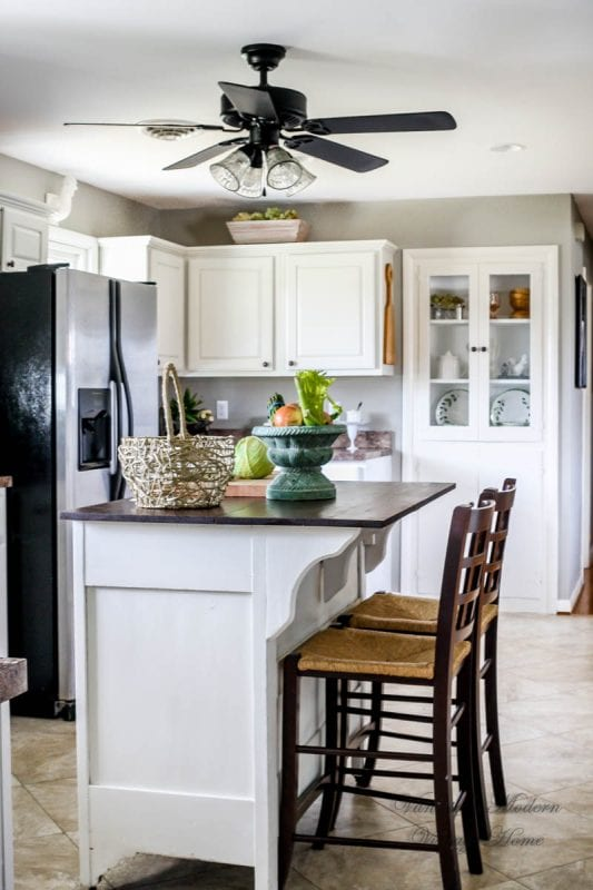 Remodelaholic how to paint your kitchen cabinets in one for Kitchen cabinets no doors
