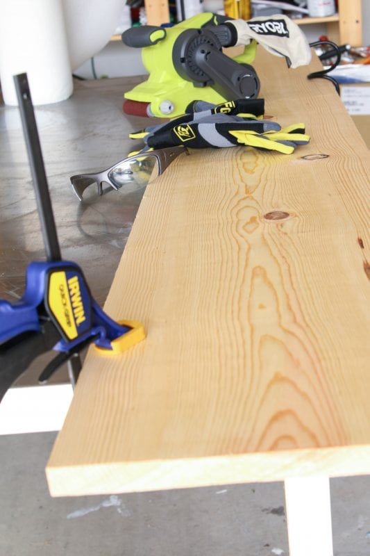 Tutorial for building a collapsible, light but sturdy, live edge dining table by Windgate Lane featured on @Remodelaholic